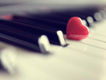 10 dintre cele mai romantice melodii din toate timpurile