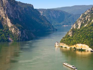 6 monumente ale naturii din Romania pe care trebuie să le vezi