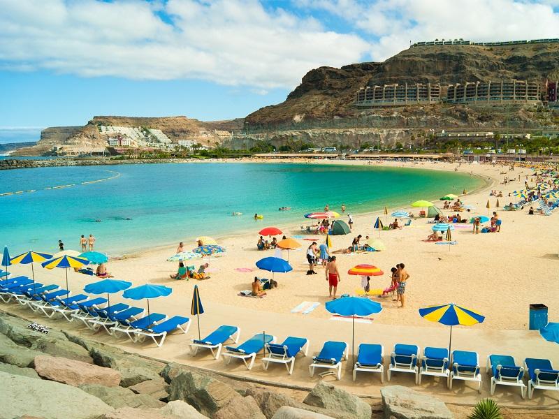playa amadores vacanta de vara